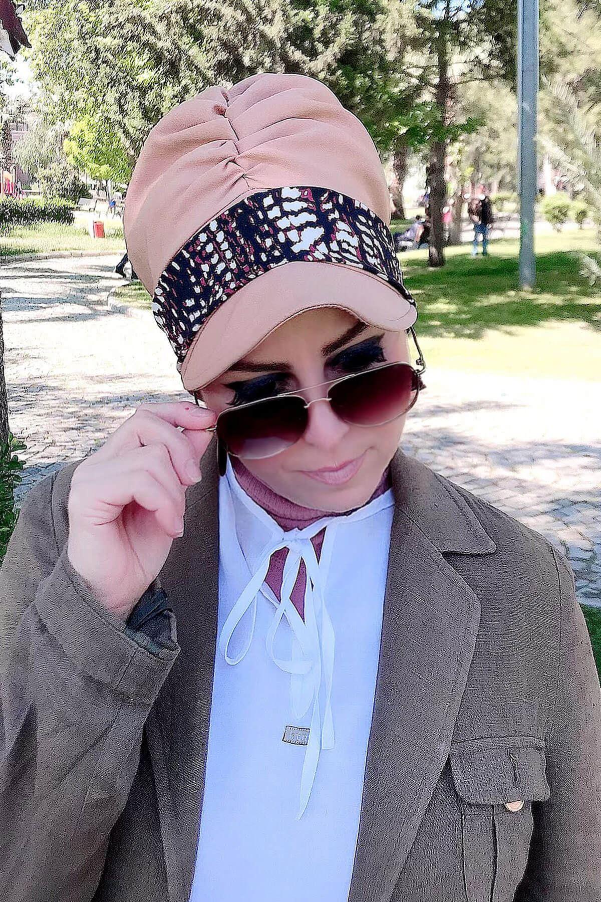 Krem Desenli Vizon Fularlı Şapka