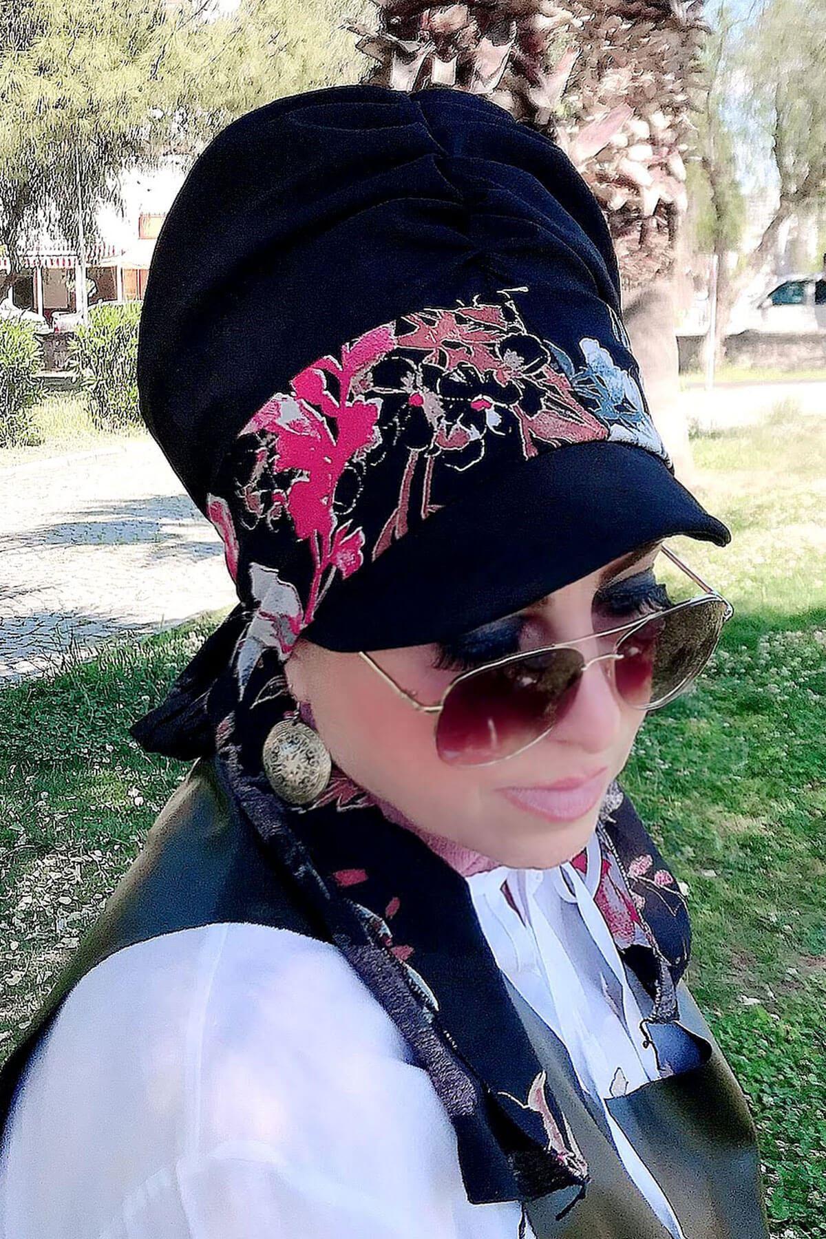 Siyah Çiçek Desenli Siyah Fularlı Şapka