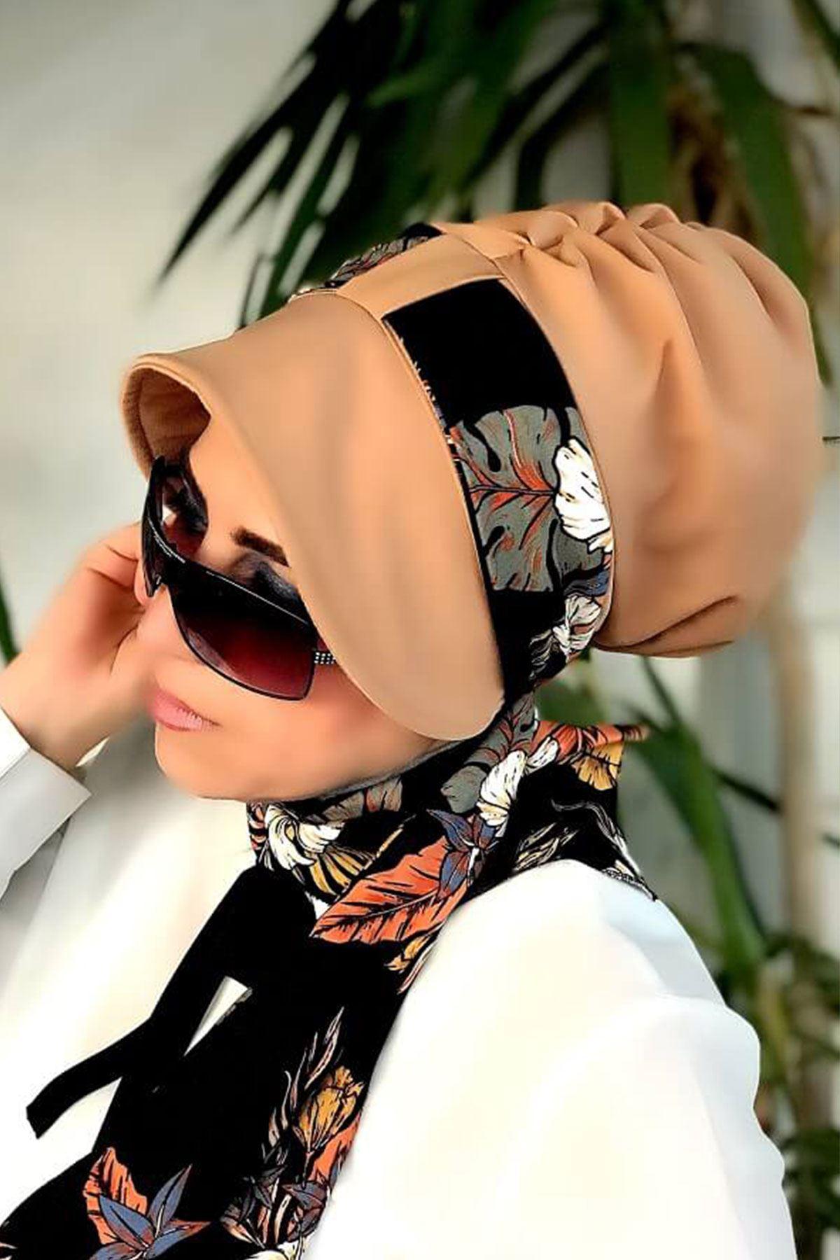 Menekşe Desenli Camel Siperli Şapka