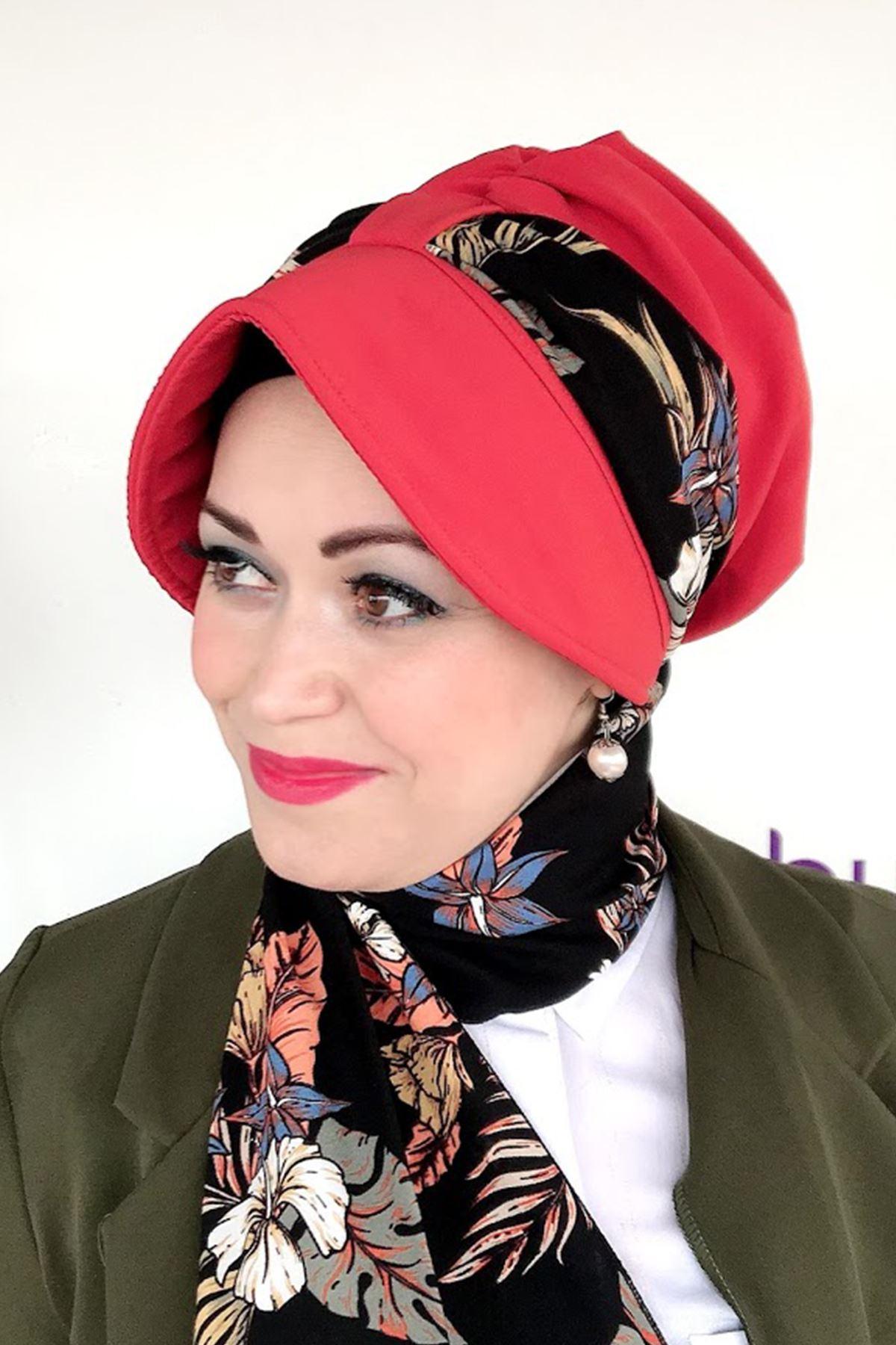 Desenli Kırmızı Siperli Şapka
