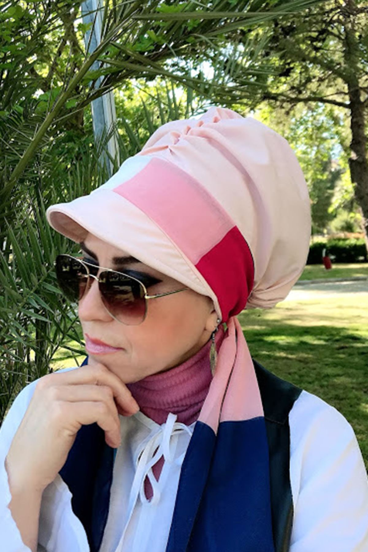 Renk Geçişli Toz Pembe Fularlı Şapka