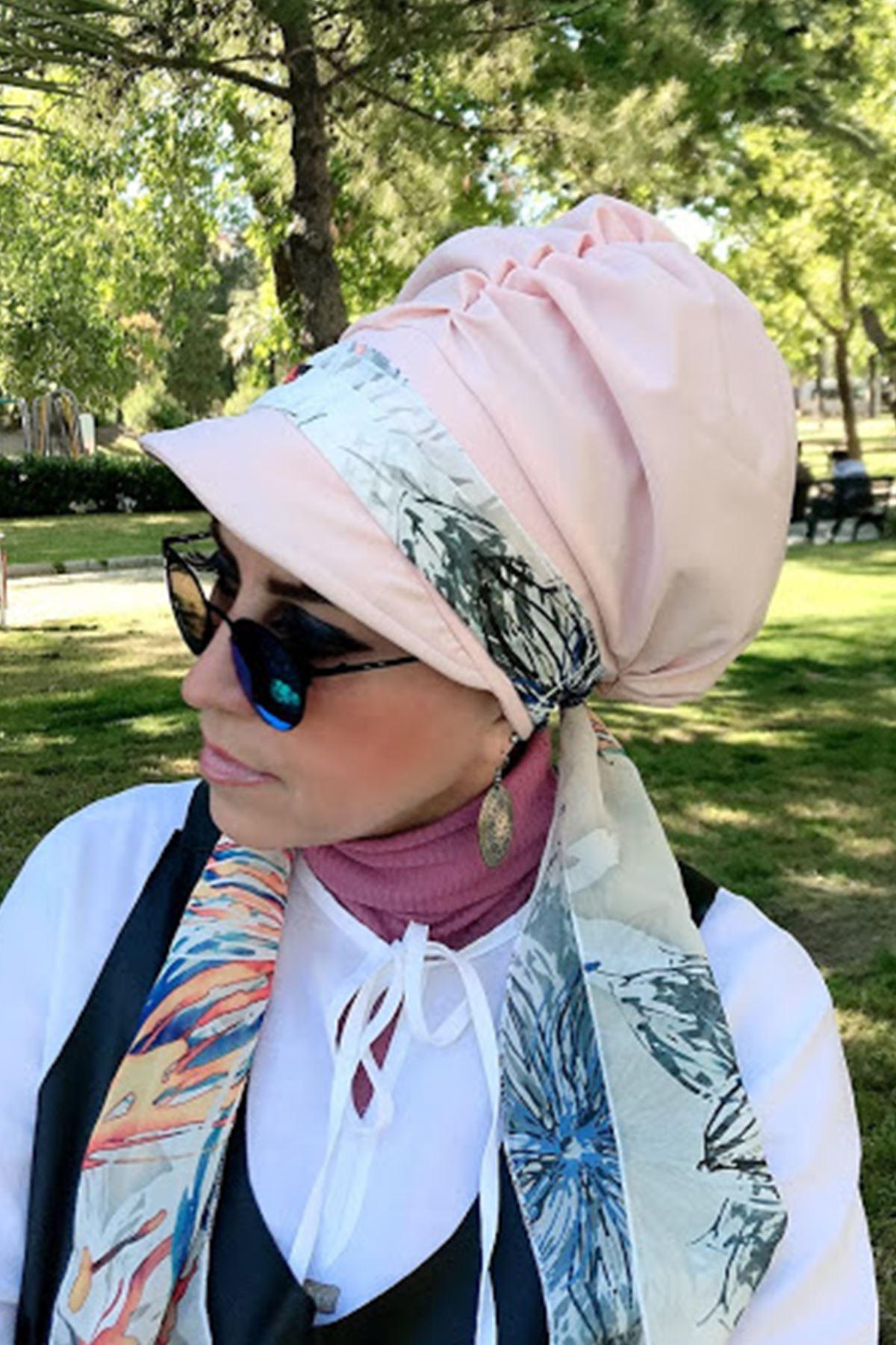 Renkli Çizgili Toz Pembe Fularlı Şapka
