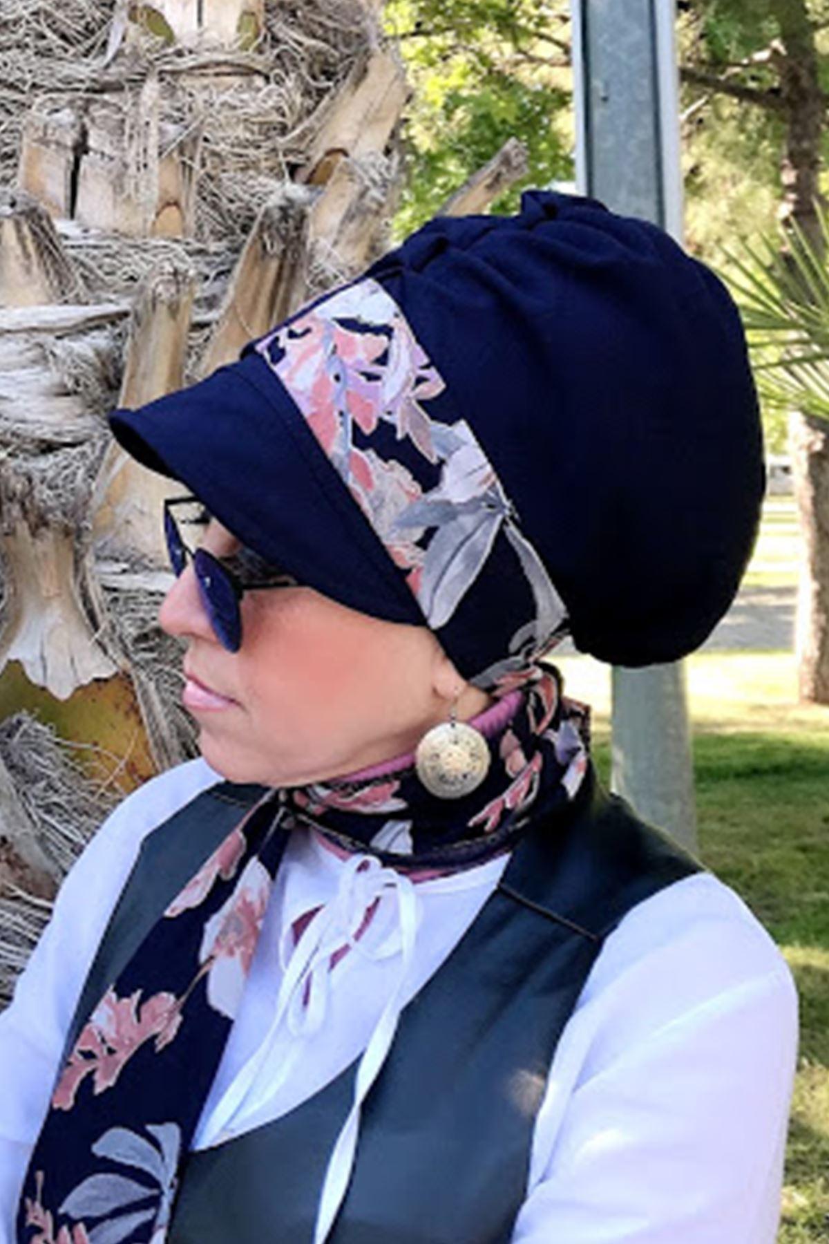 Pembe Gri Detay Lacivert Fularlı Şapka