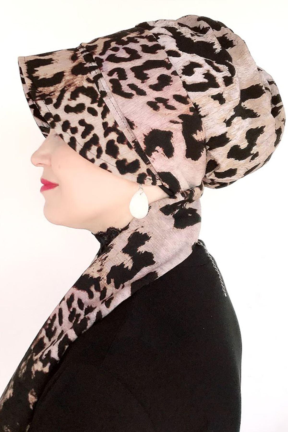 Leopar Desenli Fularlı Şapka