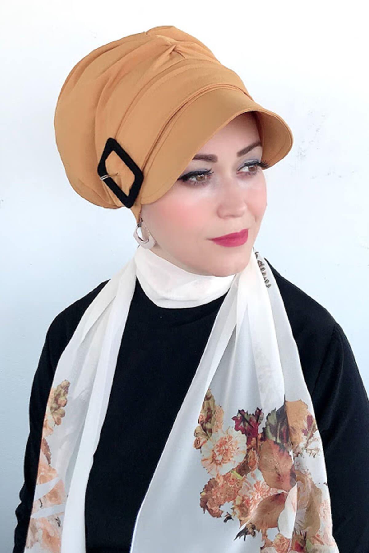 Sarı Siyah Tokalı Şapka