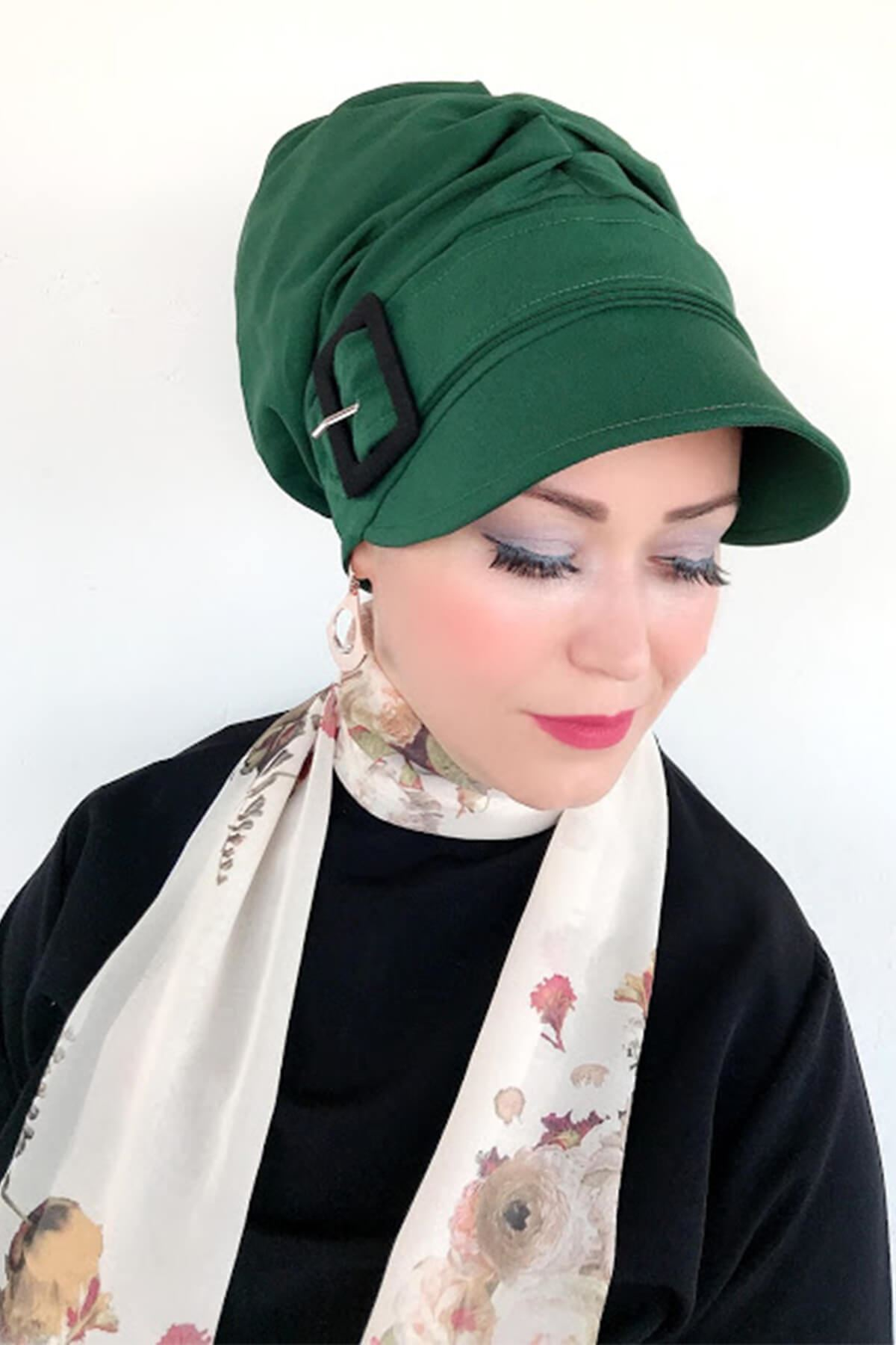 Koyu Yeşil Siyah Tokalı Şapka