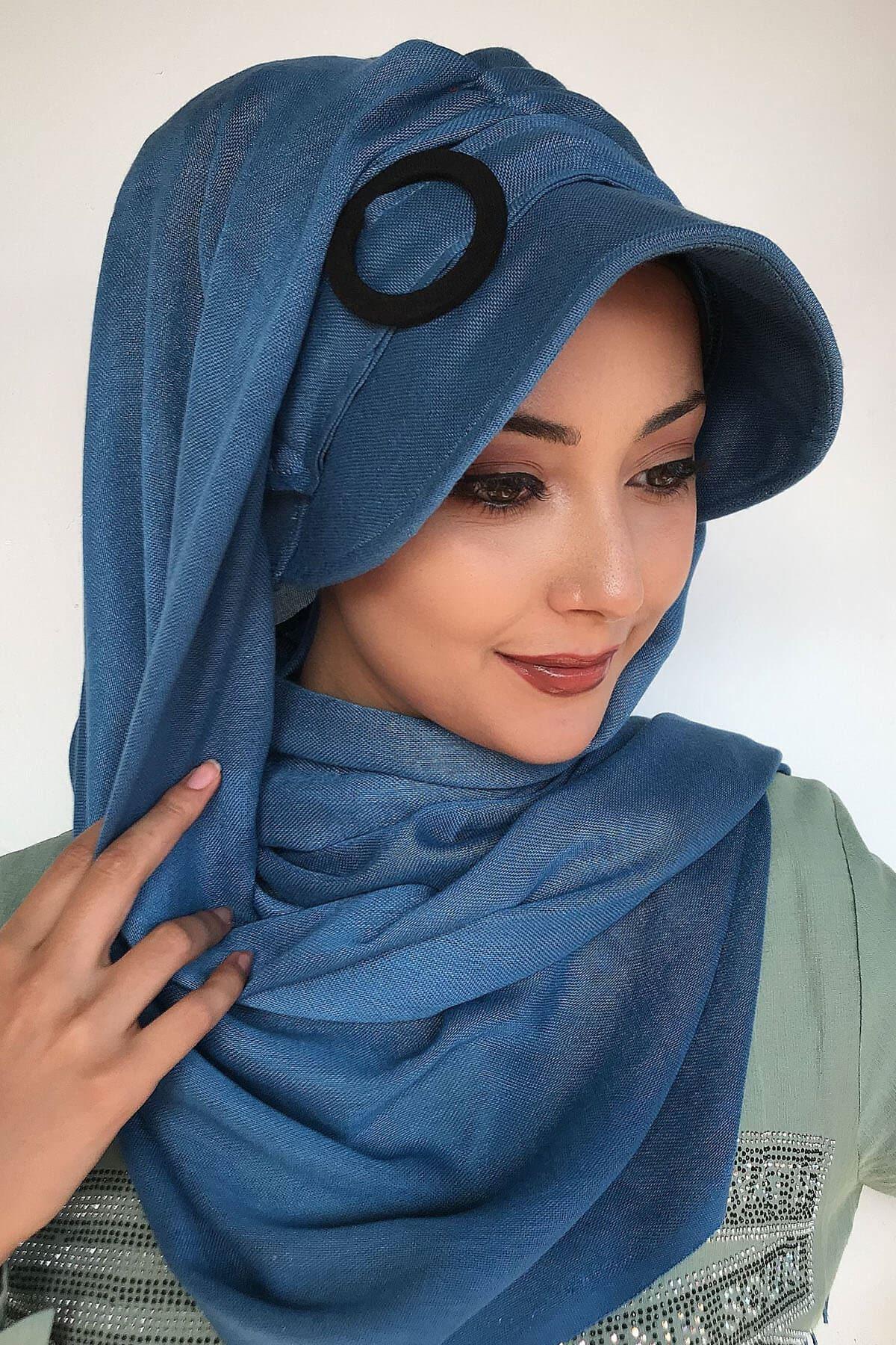 Mavi Renkli Tokalı Hazır Şapka Şal
