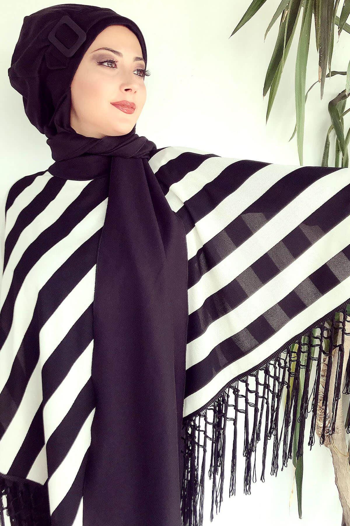 Siyah Beyaz Çizgili Tesettür Panço&Atkılı Tokalı Bere Şal