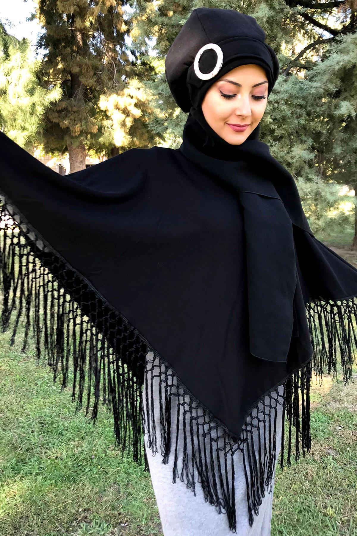 Siyah Püsküllü Panço& Nazlı Model Tokalı Siyah Atkılı Bere Şal Kombin