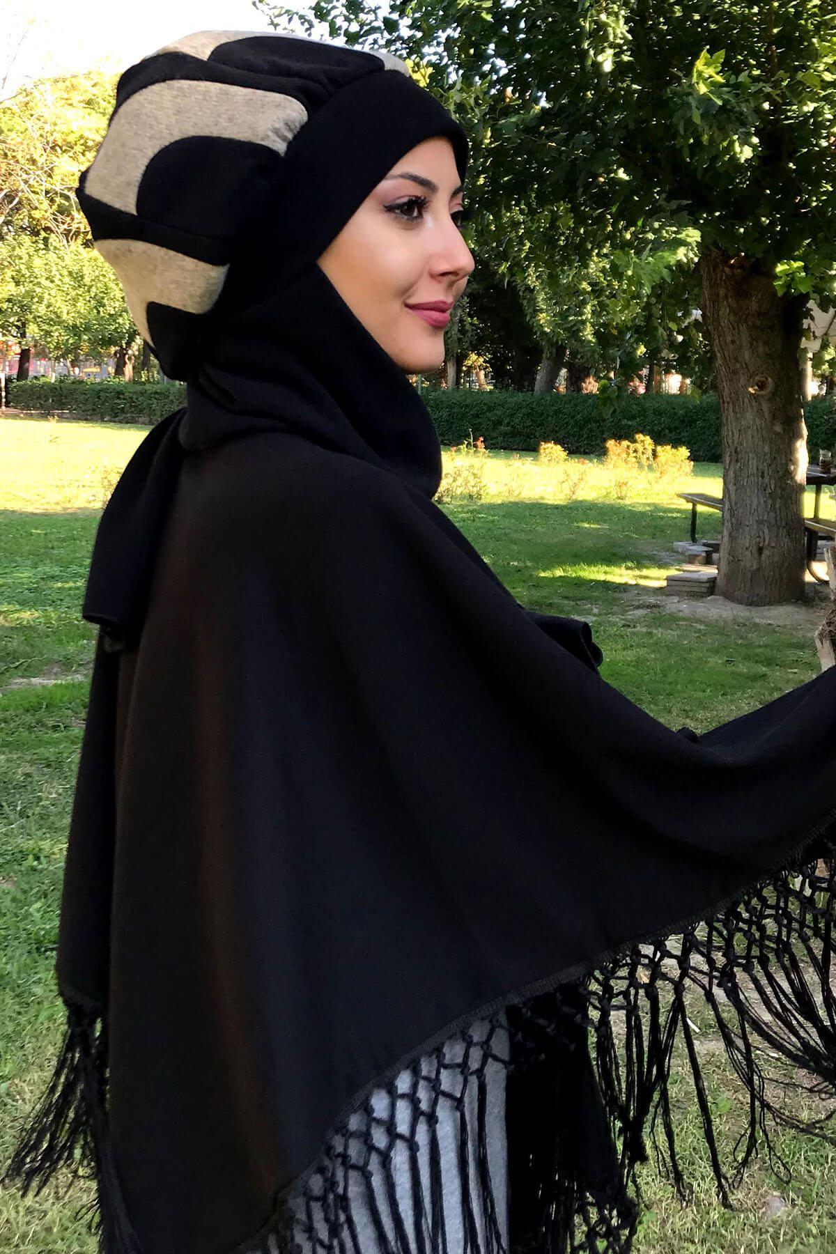 Siyah Püsküllü Panço& Sütlükahve Yarımay Model Siyah Atkılı Bere Şal Kombin