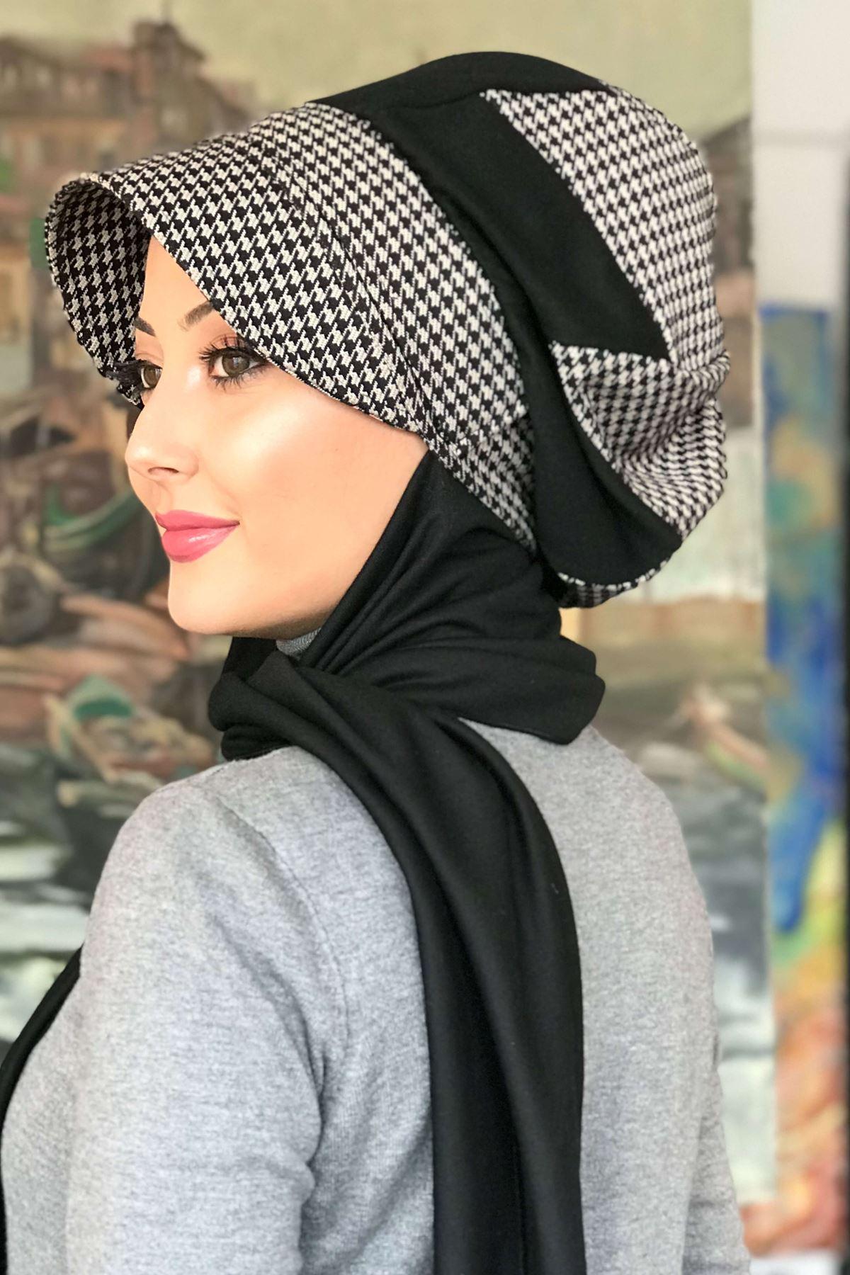 Siyah Kazayağı Desenli Tokalı Şapka Şal