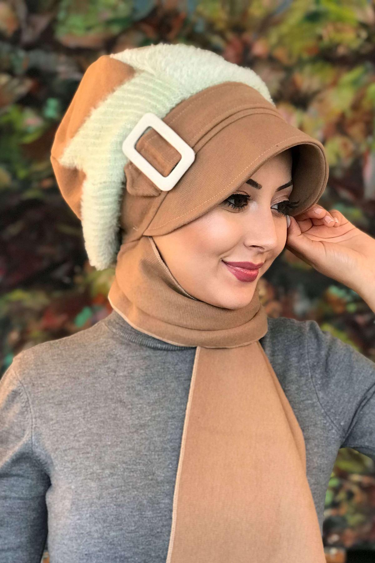 Devetüyü Tokalı Çarkıfelek Desenli Kendinden Atkılı Şapka Şal