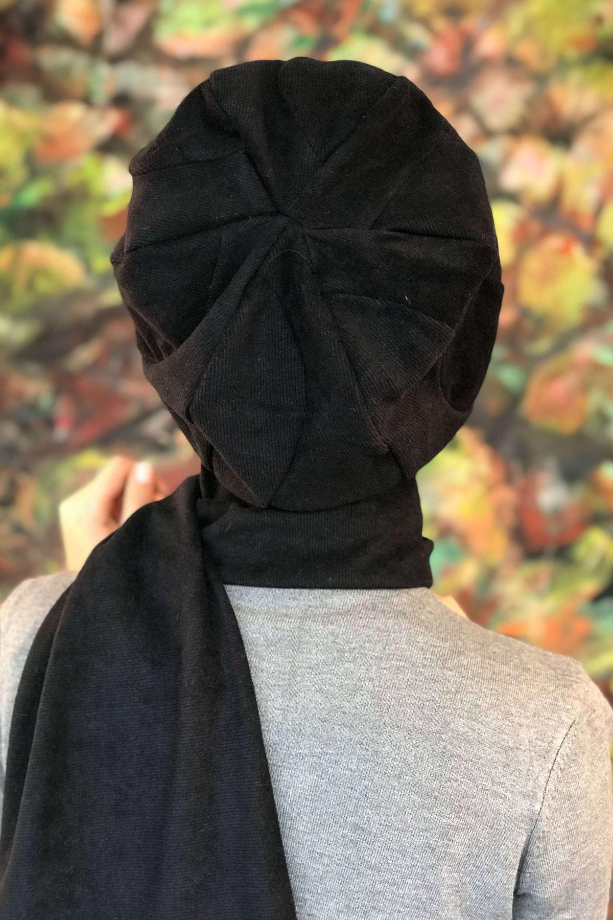 Siyah Tokalı Kendinden Atkılı Şapka Şal