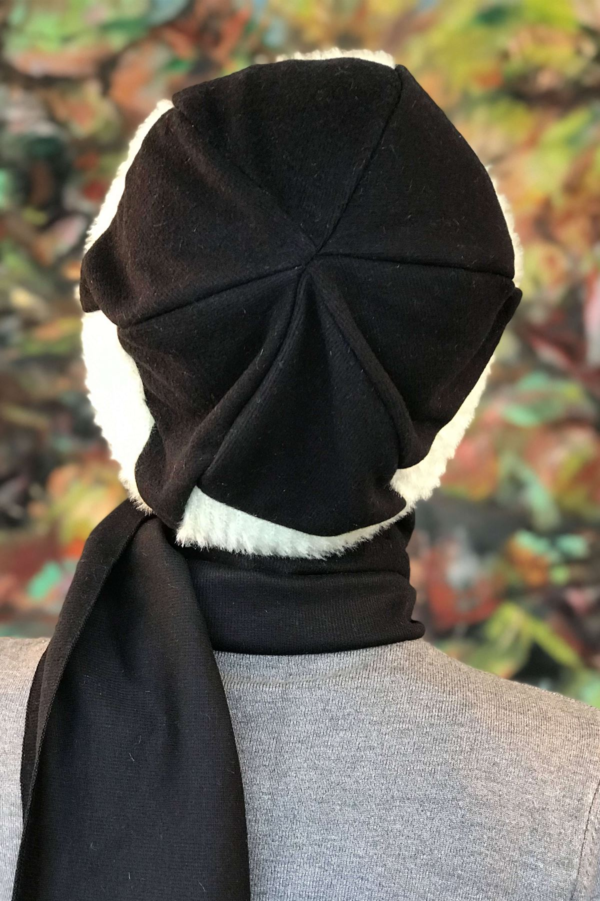Siyah Tokalı Örgü Desenli Atkılı Şapka Şal Çarkıfelek Modelli