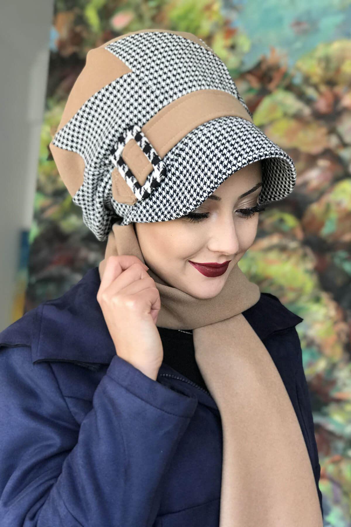 Devetüyü Renkli Kazayağı Desenli Çarkıfelek Model Şapka Şal