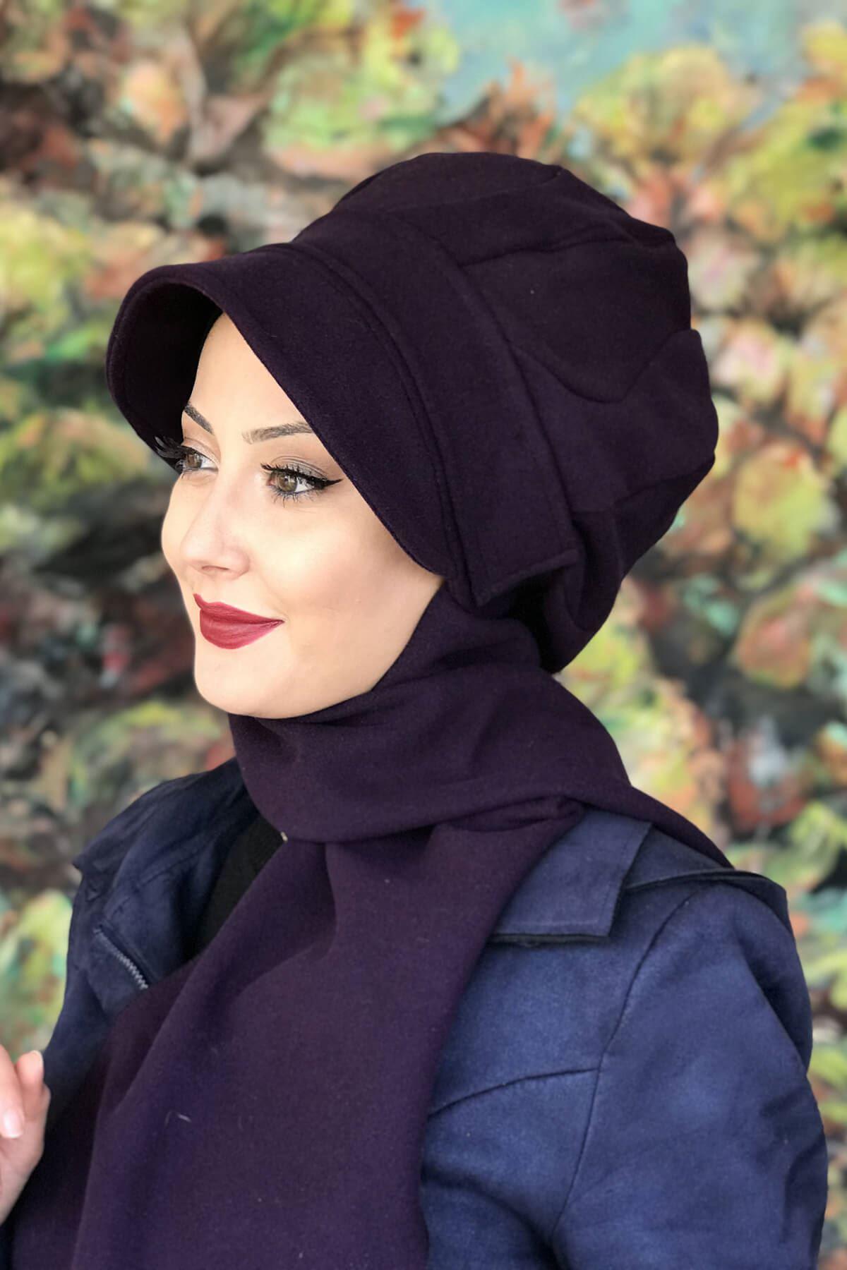 Açık Mor Renkli Beyaz Yuvarlak Tokalı Şapka Şal