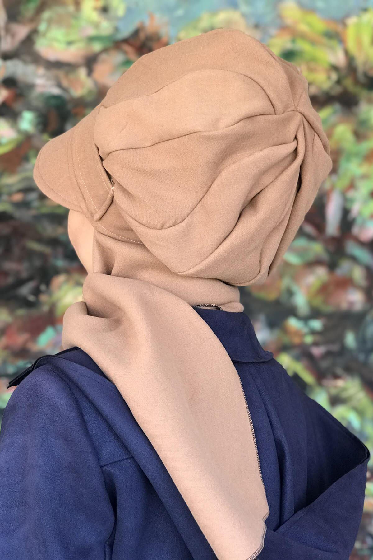 Devetüyü Renkli Elif Model Yuavarlak Tokalı Şapka Şal