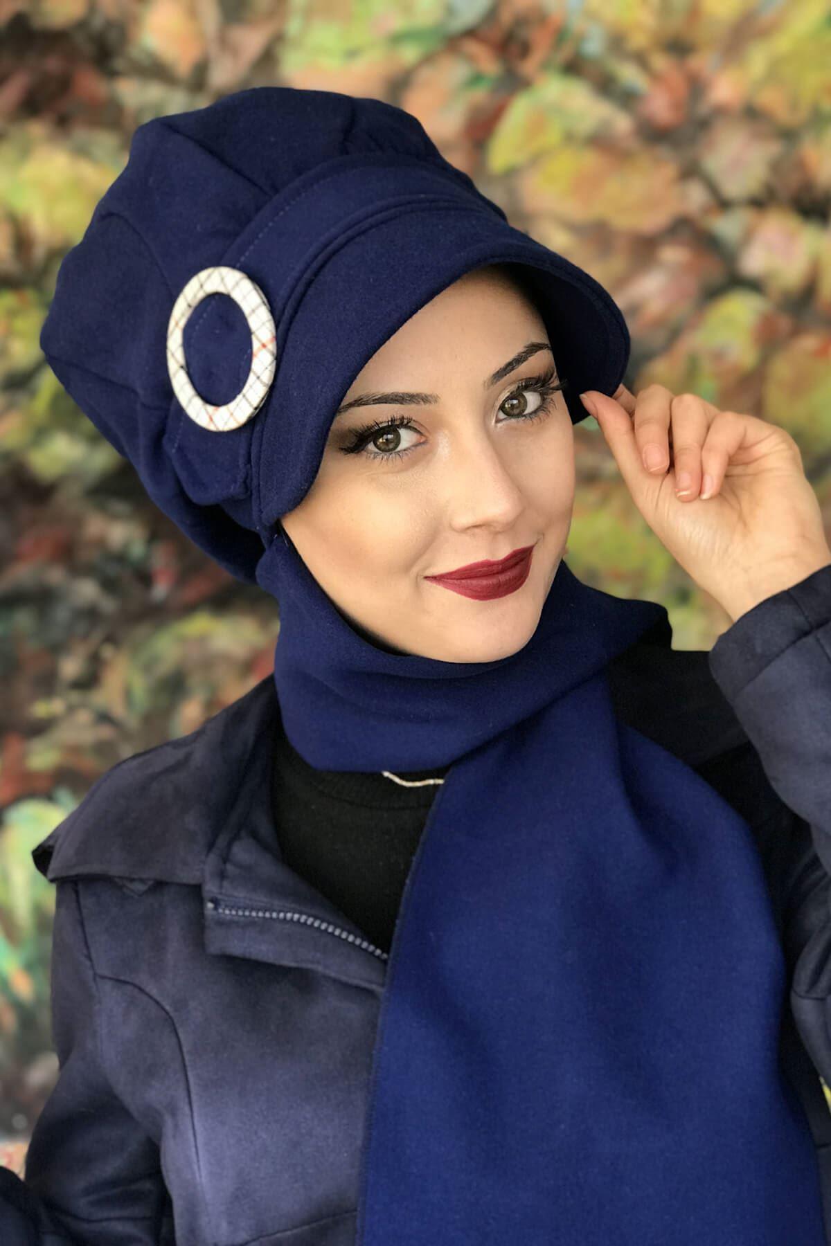Saks Mavisi Renkli Model Yuvarlak Tokalı Şapka Şal