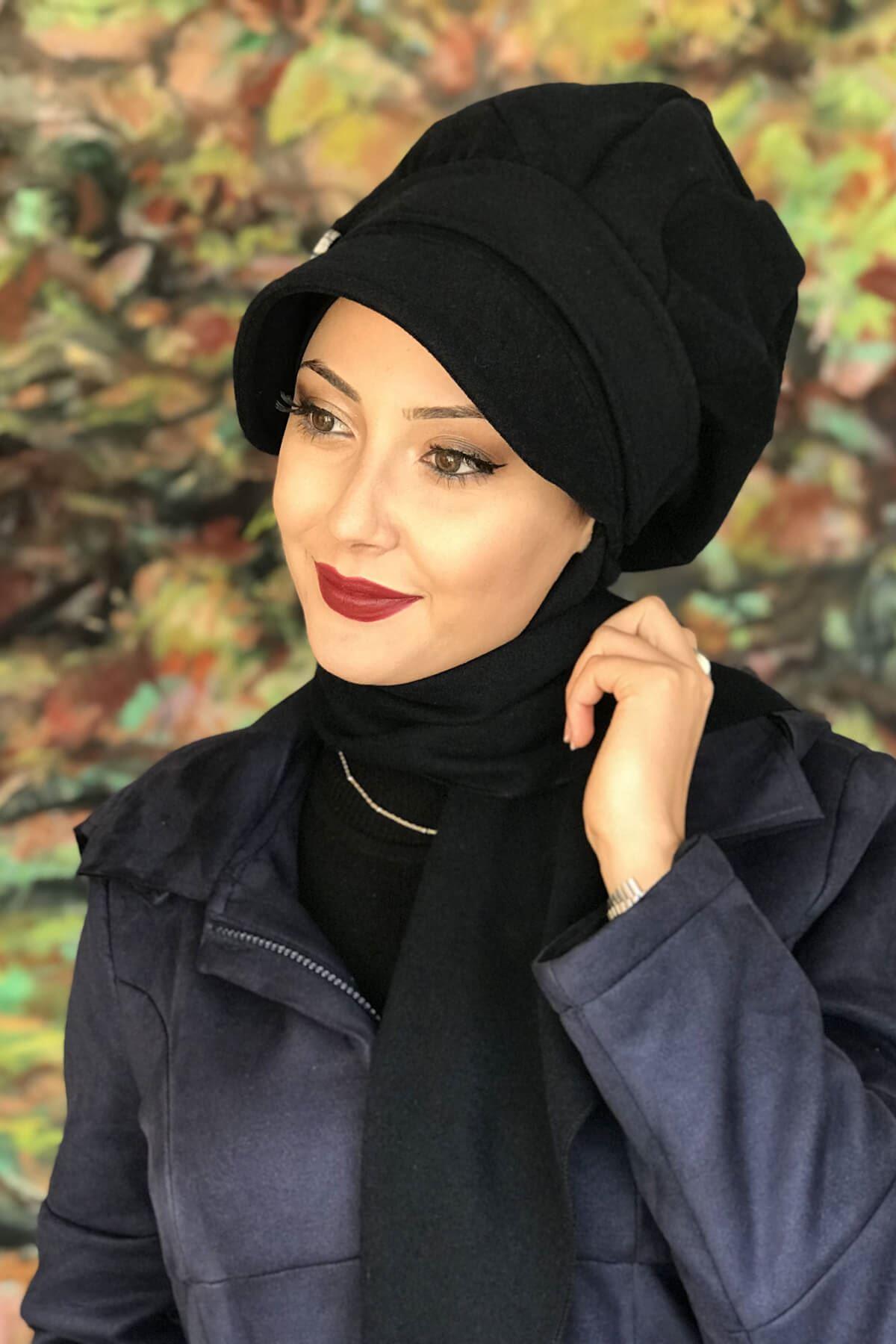 Siyah Renkli Yuvarlak Tokalı Şapka Şal elif Model