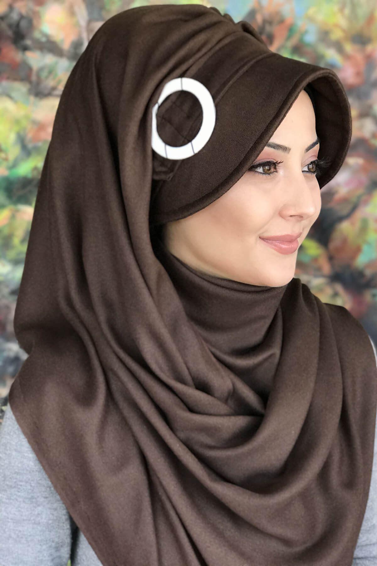 Koyu Kahverengi Renkli Tokalı Şapka Şal