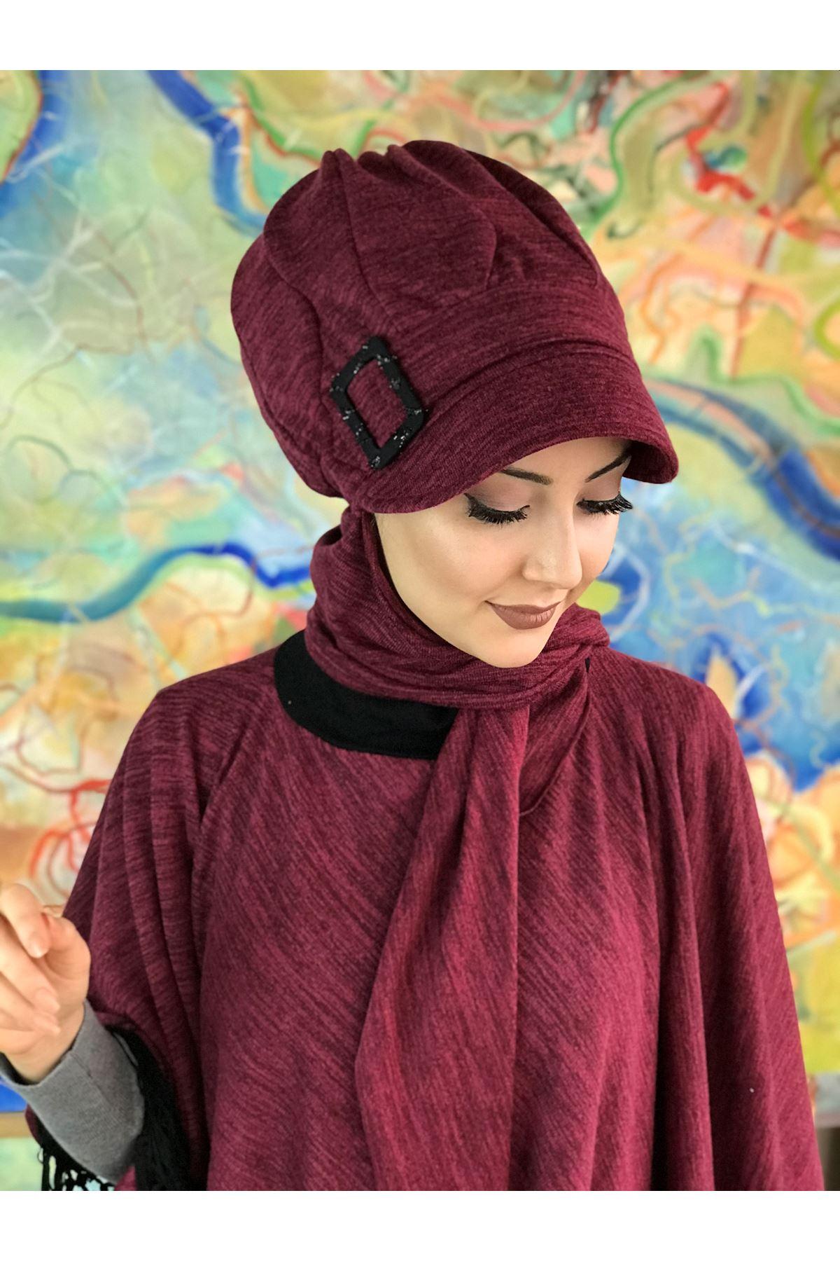 Vişne Renkli Tokalı Atkılı Şapka