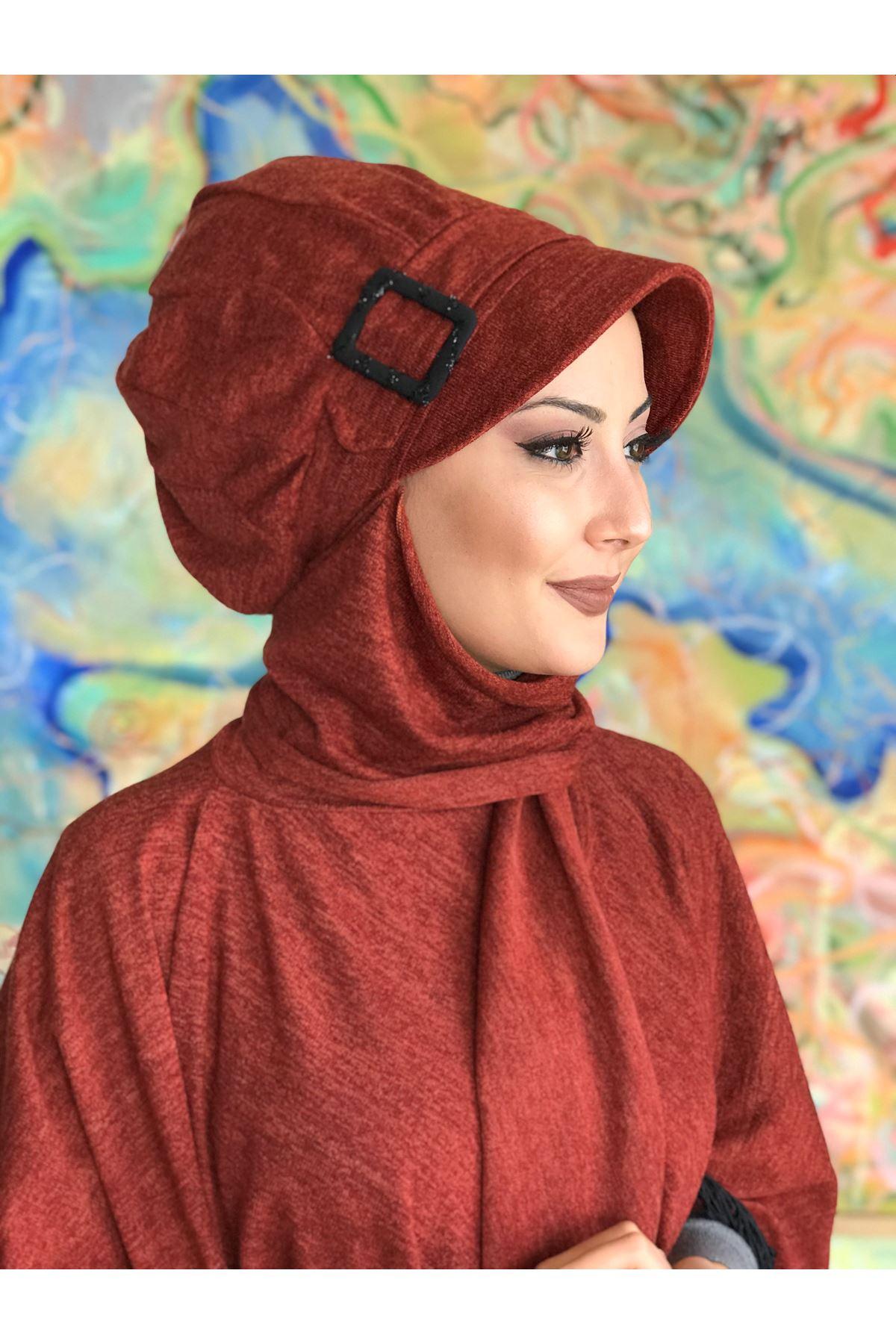 Tarçın Renkli  Elif Model Tokalı Atkılı Şapka