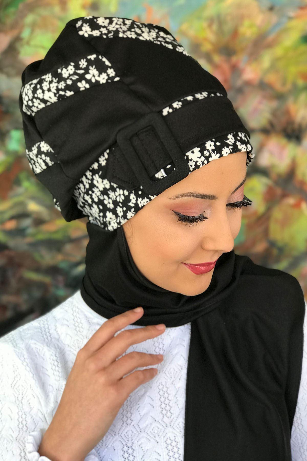Beyaz Çiçekli Şerit Detaylı Tokalı Siyah Atkılı Bone Şal