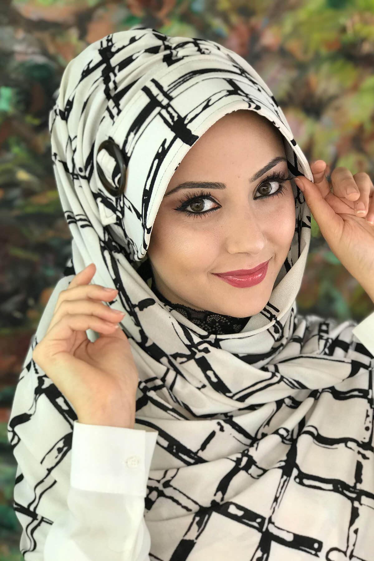 Siyah Kare Desenli Beyaz  Atkılı Tokalı Şapka Şal