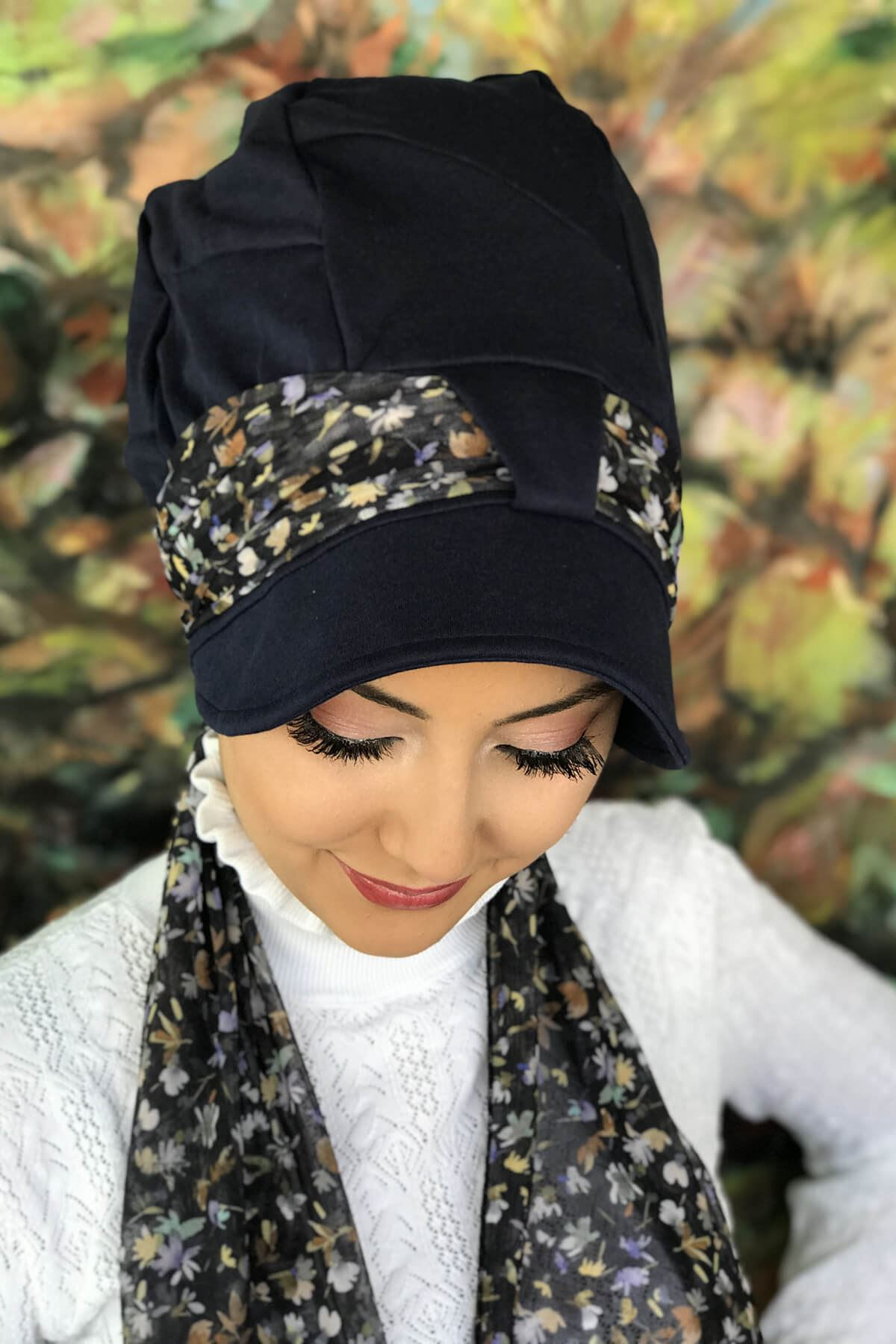 Lacivert Tek Biritli Fularlı Şapka