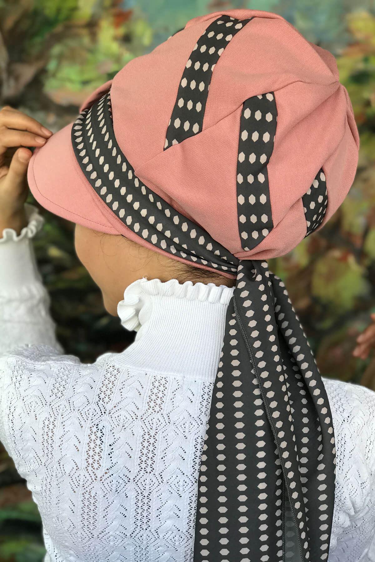 Pembe Desenli Tek Biritli Fularlı Şapka